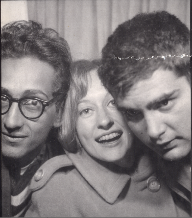 Barbara Rose with Larry Poons and Frank Stella. Image: Wikimedia Commons.